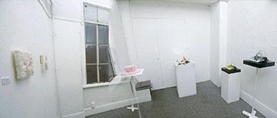 テキスタイルスクール修了生4名によるミニアチュール展 篠宮 和美 / Kazumi SHINOMIYA・松下 友美 / Tomomi MATSUSHITA・脇 淳子 / Junko WAKI・吉本 直子 / Naoko YOSHIMOTO 2003年3月1日(土)~15日(土)